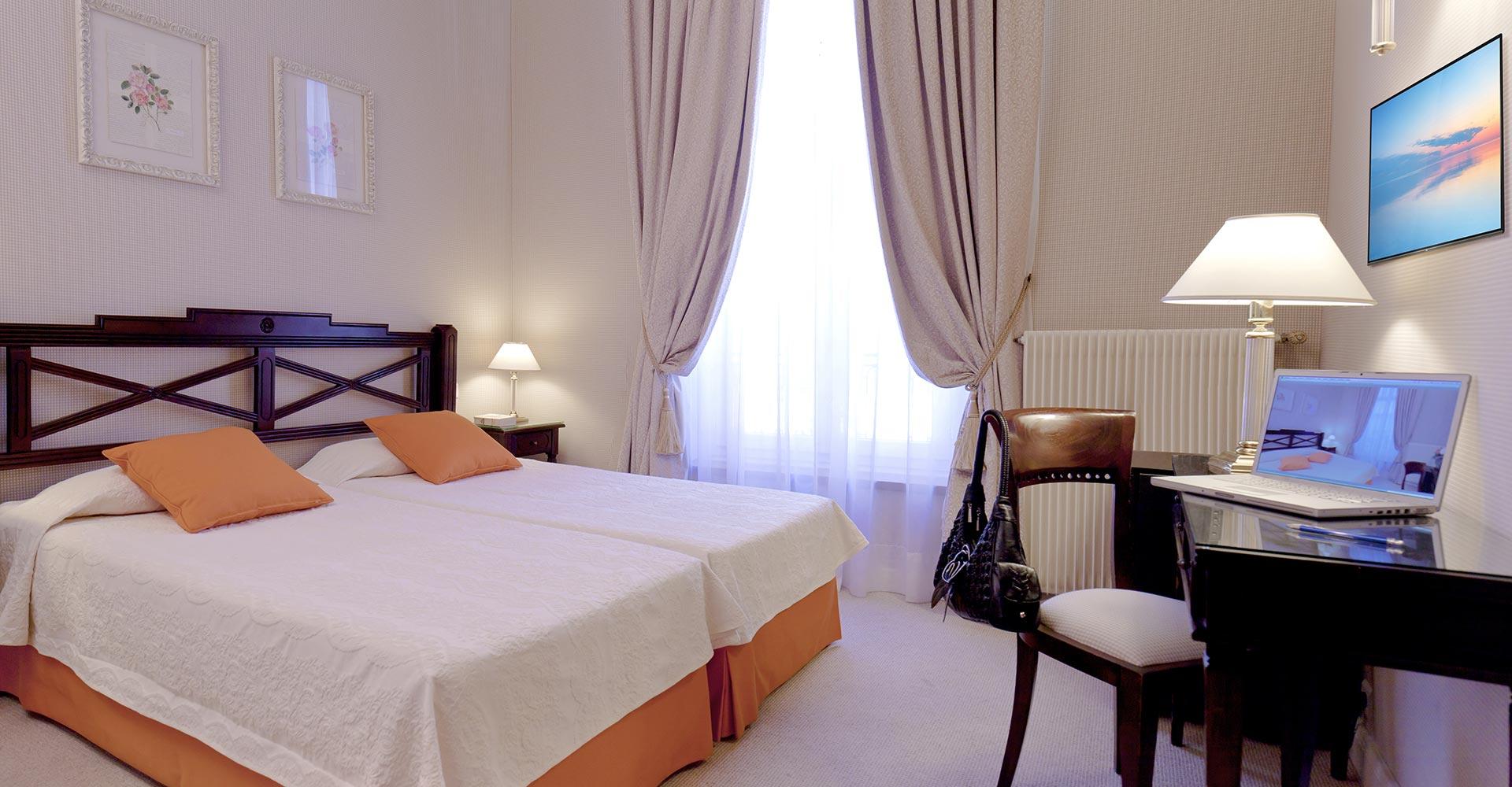 hotel_beaubourg_paris_marais_twin_superieure5